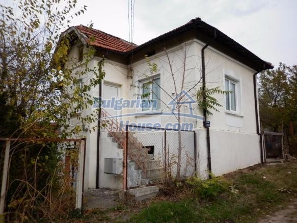 12828:1 - Renovated Bulgarian home for sale 25 km from Vratsa 139 to Sofia
