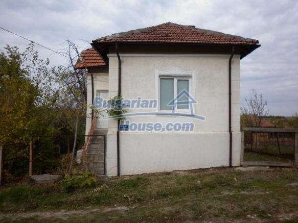 12828:5 - Renovated Bulgarian home for sale 25 km from Vratsa 139 to Sofia