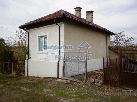 12828:4 - Renovated Bulgarian home for sale 25 km from Vratsa 139 to Sofia