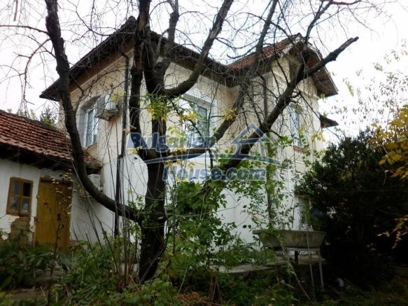 12828:3 - Renovated Bulgarian home for sale 25 km from Vratsa 139 to Sofia
