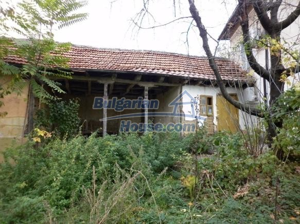 12828:9 - Renovated Bulgarian home for sale 25 km from Vratsa 139 to Sofia