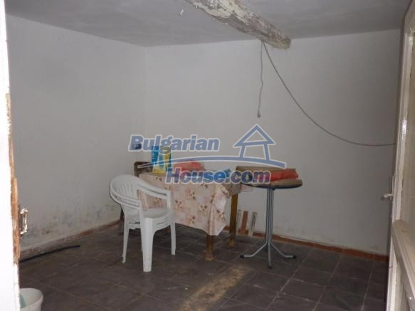 12828:12 - Renovated Bulgarian home for sale 25 km from Vratsa 139 to Sofia