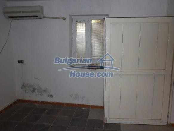 12828:13 - Renovated Bulgarian home for sale 25 km from Vratsa 139 to Sofia