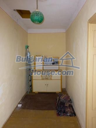 12828:24 - Renovated Bulgarian home for sale 25 km from Vratsa 139 to Sofia