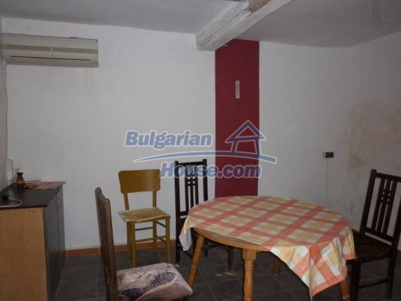 12828:20 - Renovated Bulgarian home for sale 25 km from Vratsa 139 to Sofia