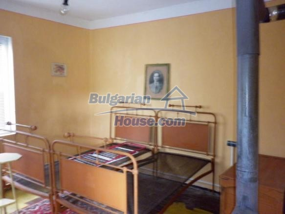 12828:26 - Renovated Bulgarian home for sale 25 km from Vratsa 139 to Sofia