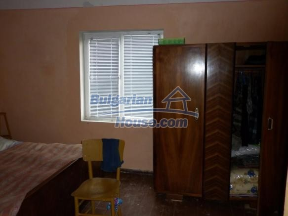 12828:28 - Renovated Bulgarian home for sale 25 km from Vratsa 139 to Sofia