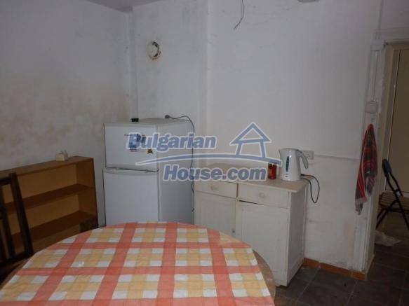 12828:22 - Renovated Bulgarian home for sale 25 km from Vratsa 139 to Sofia