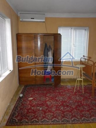 12828:25 - Renovated Bulgarian home for sale 25 km from Vratsa 139 to Sofia