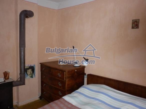 12828:31 - Renovated Bulgarian home for sale 25 km from Vratsa 139 to Sofia