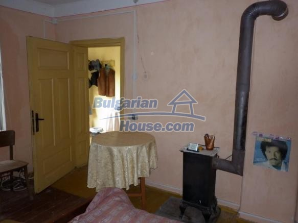 12828:32 - Renovated Bulgarian home for sale 25 km from Vratsa 139 to Sofia