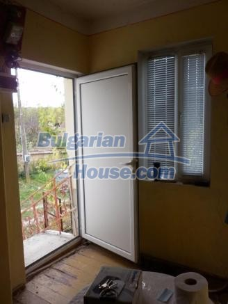 12828:34 - Renovated Bulgarian home for sale 25 km from Vratsa 139 to Sofia