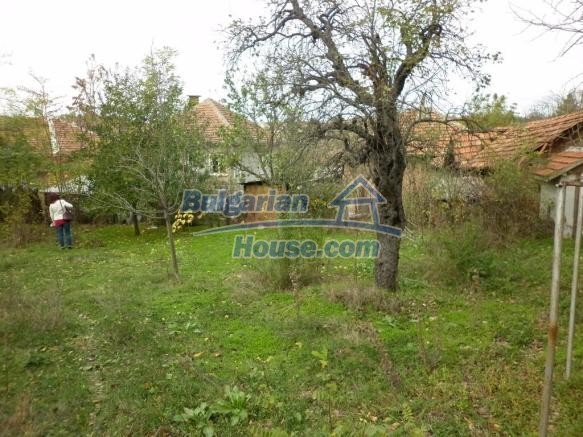 12828:37 - Renovated Bulgarian home for sale 25 km from Vratsa 139 to Sofia