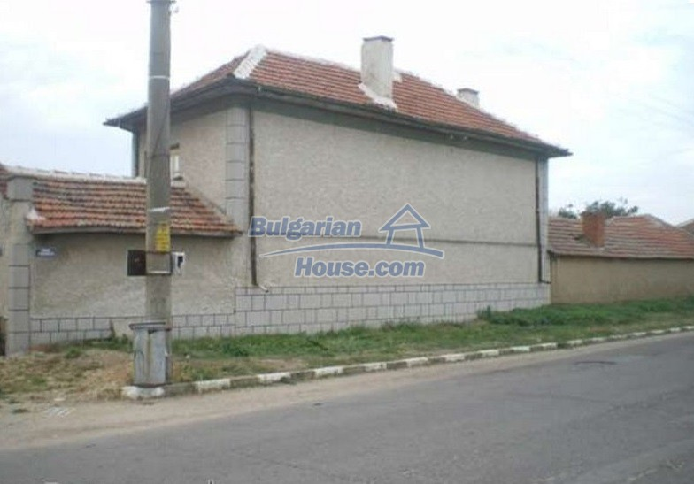 12829:16 - Lovely Bulgarian house for sale near lake Stara Zagora region