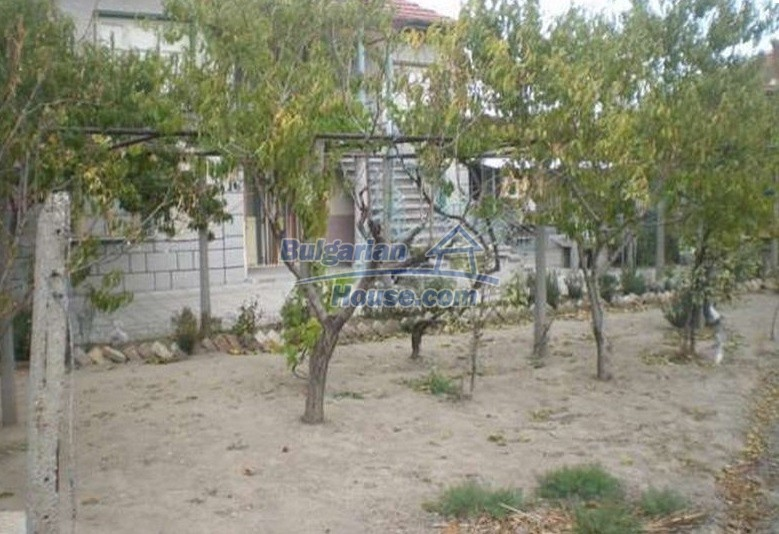 12829:14 - Lovely Bulgarian house for sale near lake Stara Zagora region
