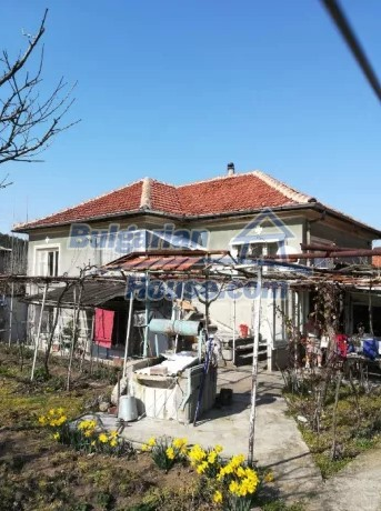 12833:2 - Bulgarian house with big garden near dam lake, Stara Zagora