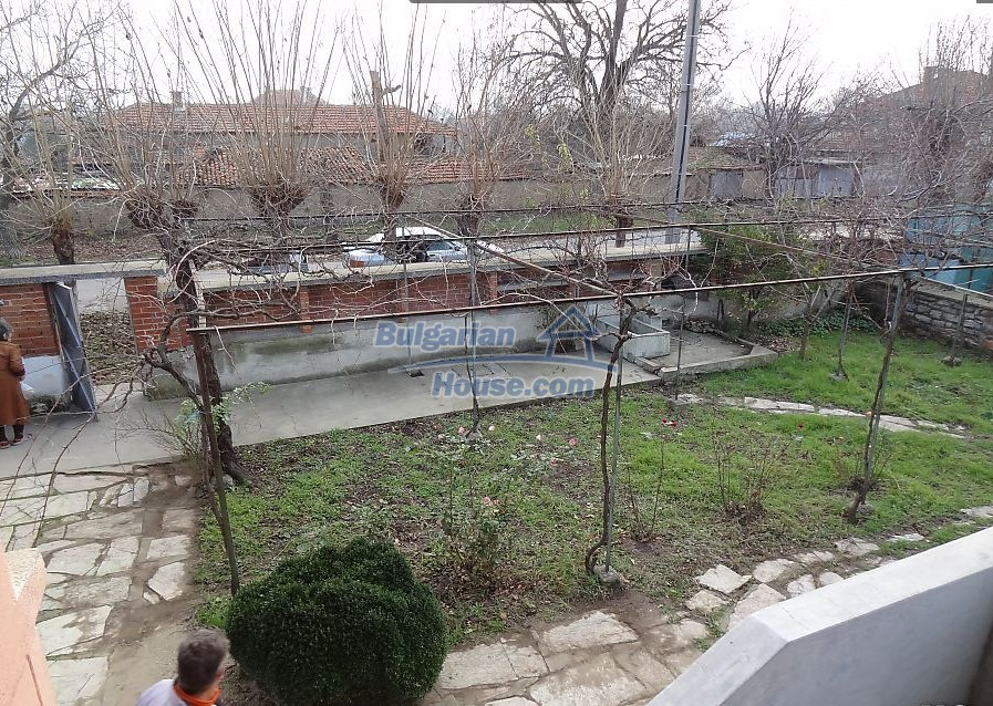 12835:7 - Bulgarian rural house -6 rooms and summer kitchen near Sliven
