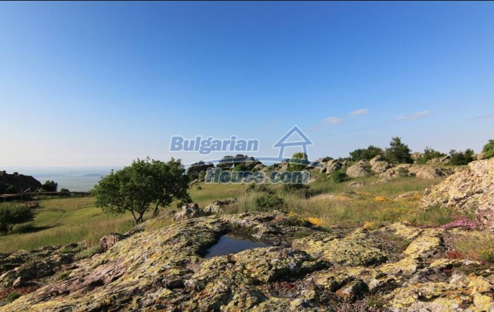 12835:14 - Bulgarian rural house -6 rooms and summer kitchen near Sliven