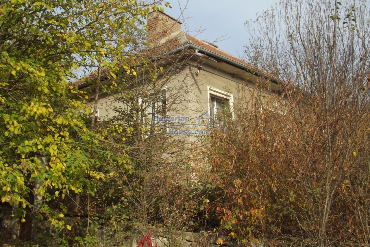 12837:1 - Bulgarian property for sale with enormous garden of 5250 sq.m
