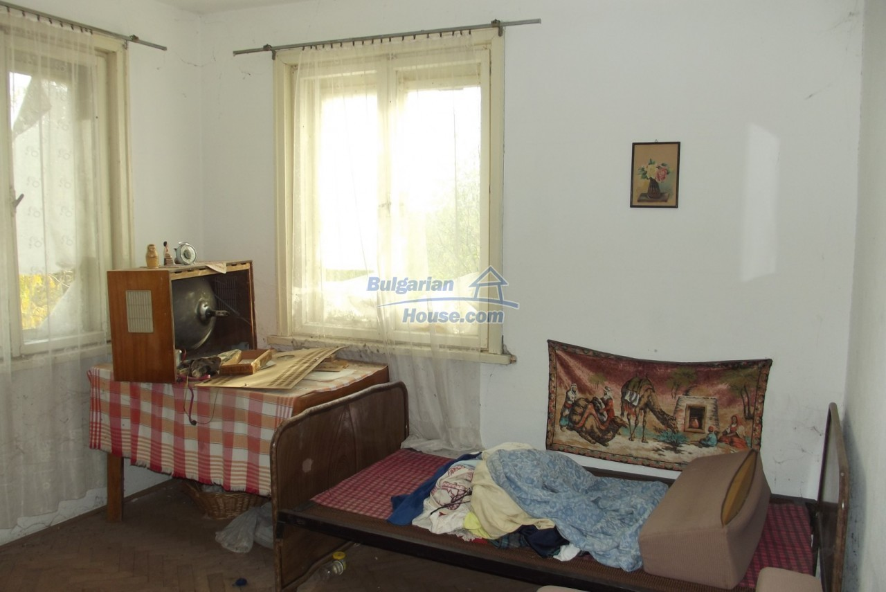 12837:12 - Bulgarian property for sale with enormous garden of 5250 sq.m