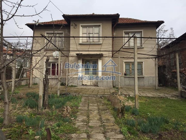 12839:1 - Bulgarian house near mountains and lakes 54km Plovdiv