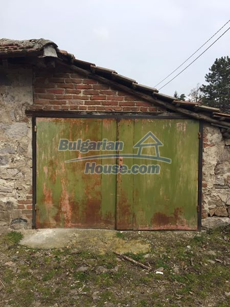 12839:8 - Bulgarian house near mountains and lakes 54km Plovdiv