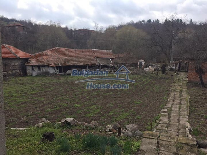 12839:9 - Bulgarian house near mountains and lakes 54km Plovdiv