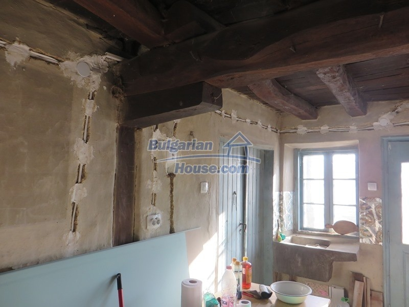 12841:4 - Partly renovated rural house in the region of Veliko Tarnovo
