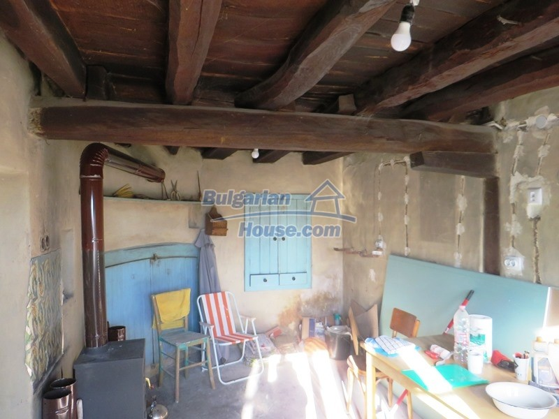 12841:3 - Partly renovated rural house in the region of Veliko Tarnovo