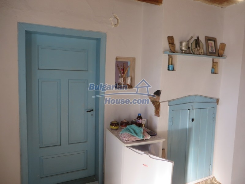 12841:13 - Partly renovated rural house in the region of Veliko Tarnovo