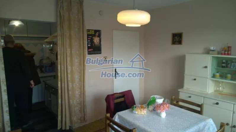12843:4 - Bulgarian house for sale with 3 floors and 8 rooms