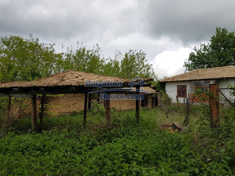 12848:2 - Extremely cheap Bulgarian house for sale near Yastrebino lake