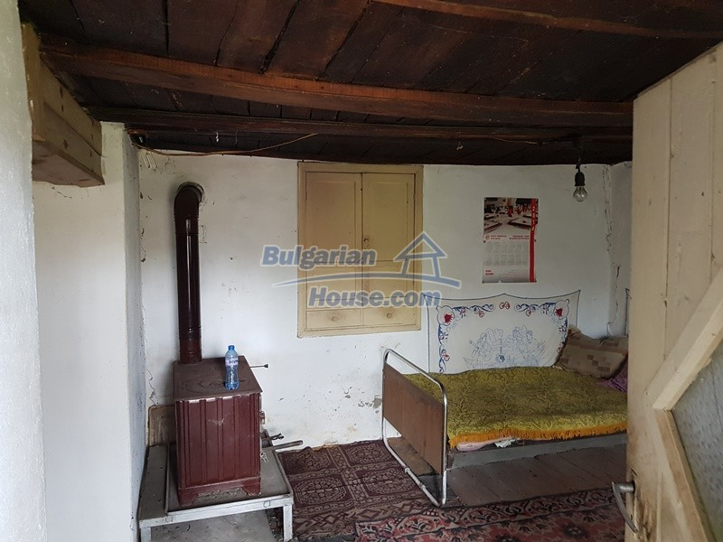 12847:12 - Cheap Bulgarian house near lake and with big garden Popovo area