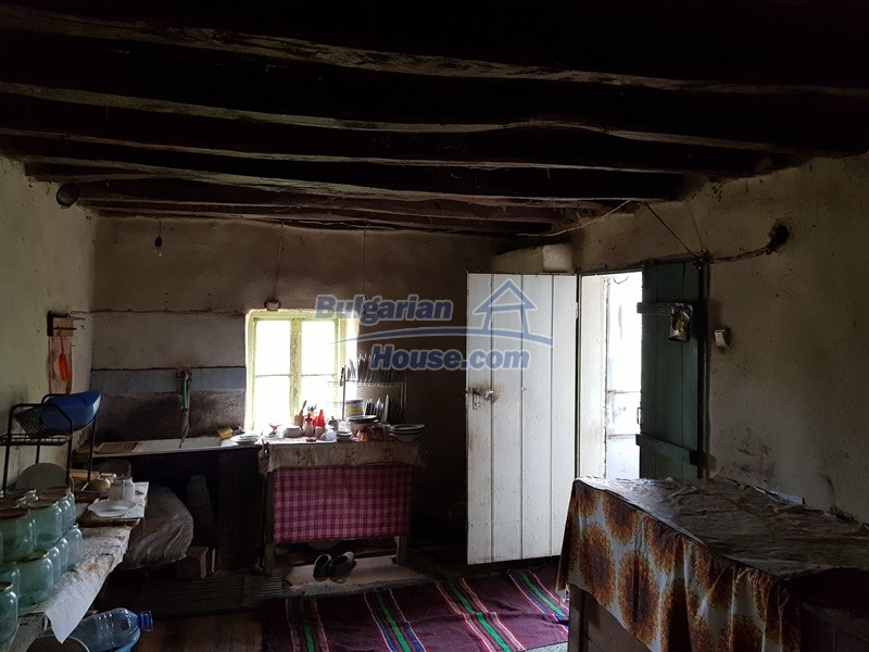 12847:9 - Cheap Bulgarian house near lake and with big garden Popovo area