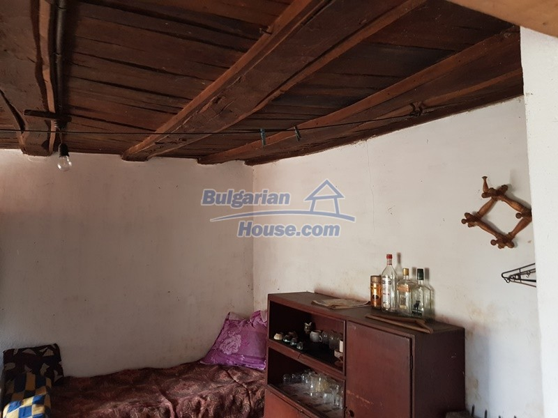 12847:17 - Cheap Bulgarian house near lake and with big garden Popovo area