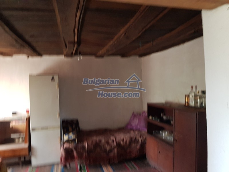 12847:20 - Cheap Bulgarian house near lake and with big garden Popovo area