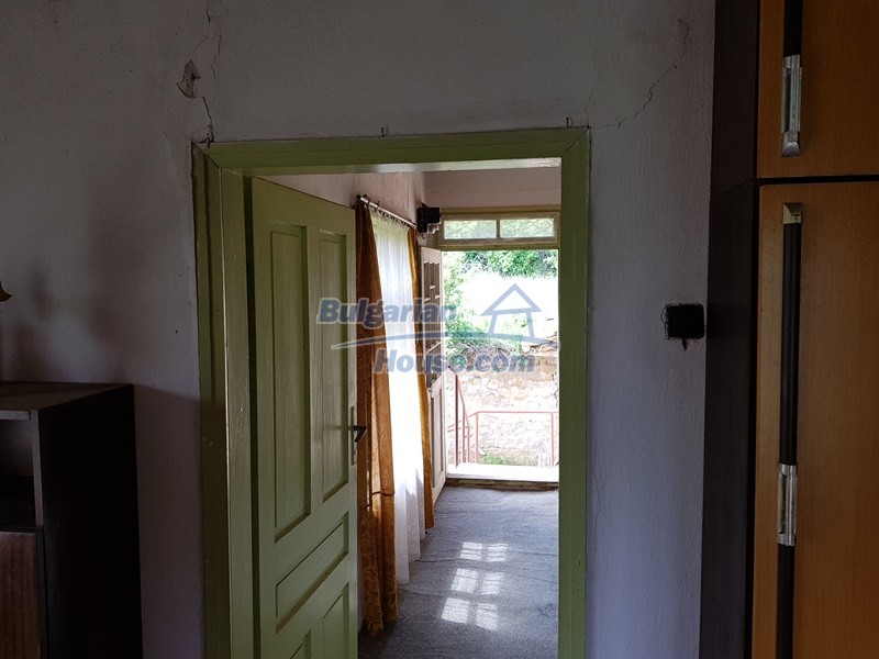 12847:31 - Cheap Bulgarian house near lake and with big garden Popovo area