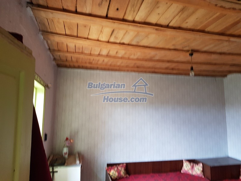 12847:25 - Cheap Bulgarian house near lake and with big garden Popovo area