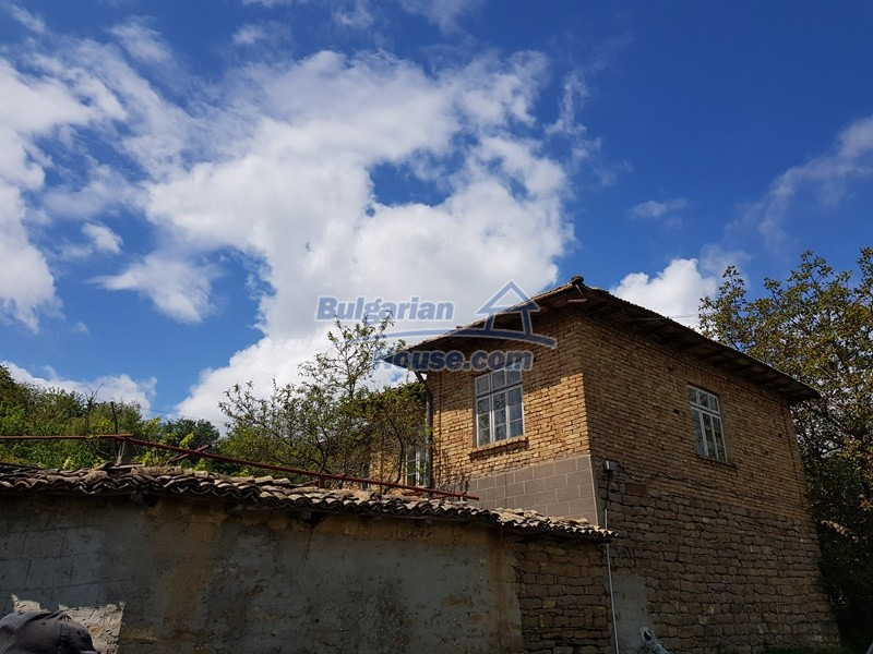 12847:44 - Cheap Bulgarian house near lake and with big garden Popovo area