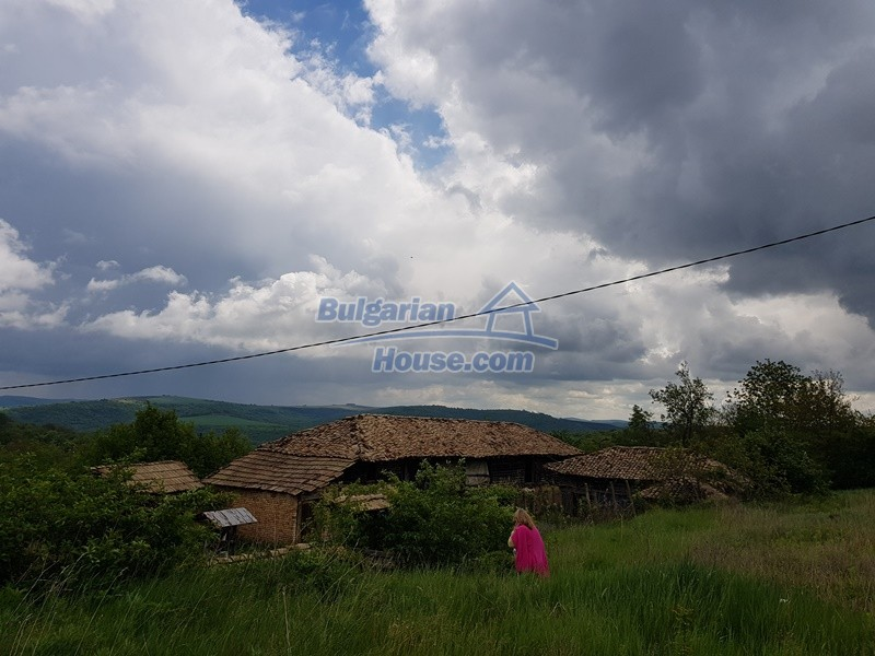 12847:49 - Cheap Bulgarian house near lake and with big garden Popovo area