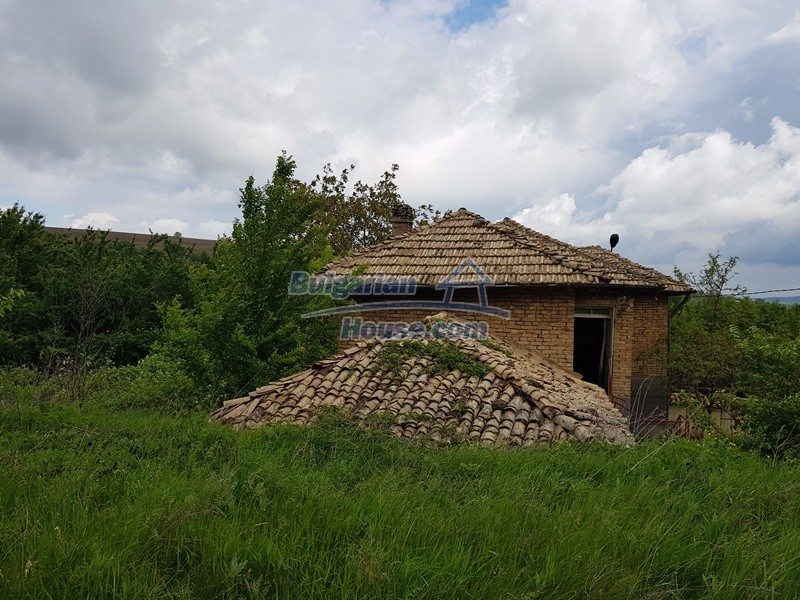 12847:46 - Cheap Bulgarian house near lake and with big garden Popovo area