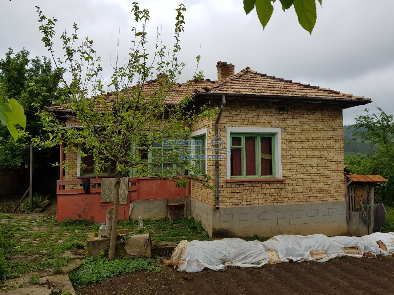12851:45 - MARVELLOUS VIEWS, garden 8000 sq.m, two houses, farm buildings