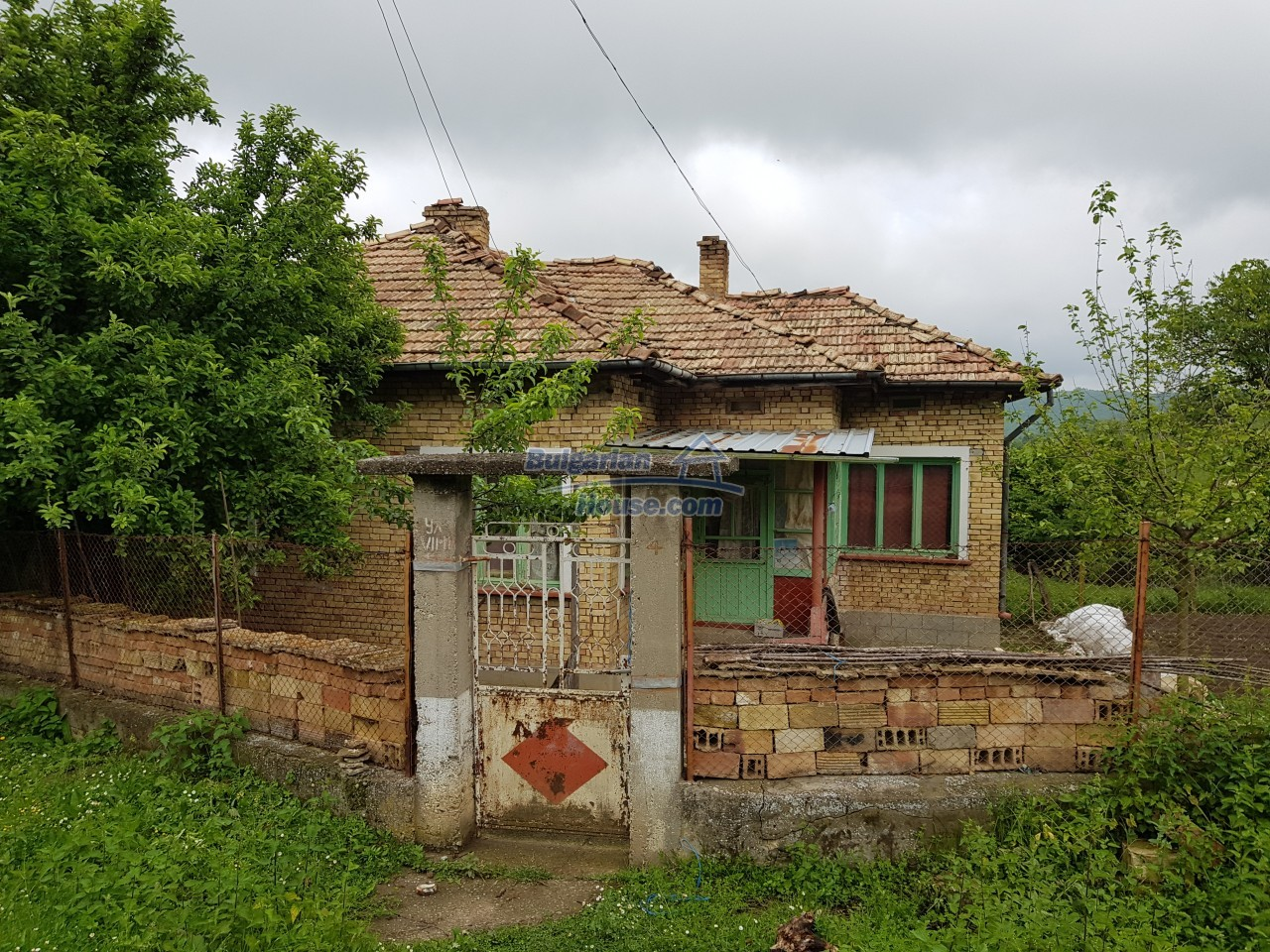 12851:71 - MARVELLOUS VIEWS, garden 8000 sq.m, two houses, farm buildings