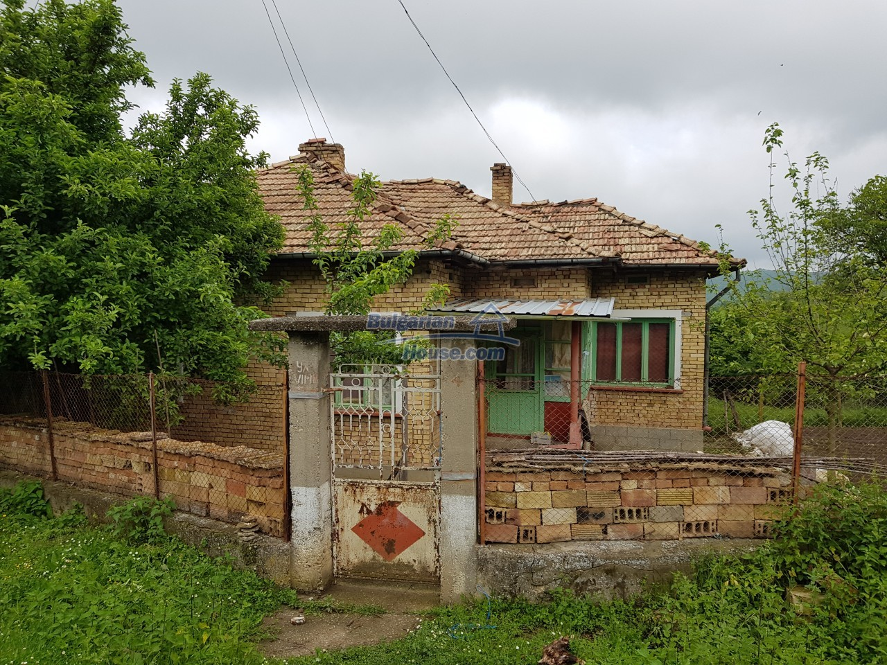 12851:73 - MARVELLOUS VIEWS, garden 8000 sq.m, two houses, farm buildings