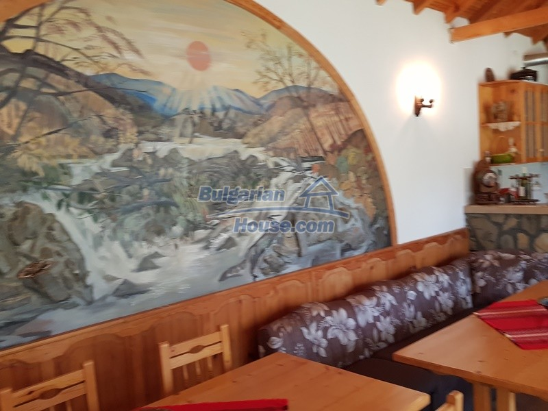 12859:17 - Excellent traditional Bulgarian property next to river VT area