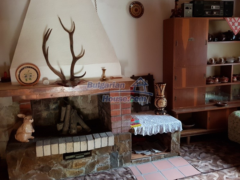 12859:33 - Excellent traditional Bulgarian property next to river VT area