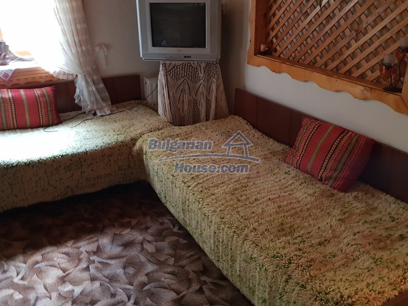 12859:36 - Excellent traditional Bulgarian property next to river VT area