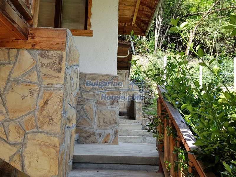 12859:43 - Excellent traditional Bulgarian property next to river VT area