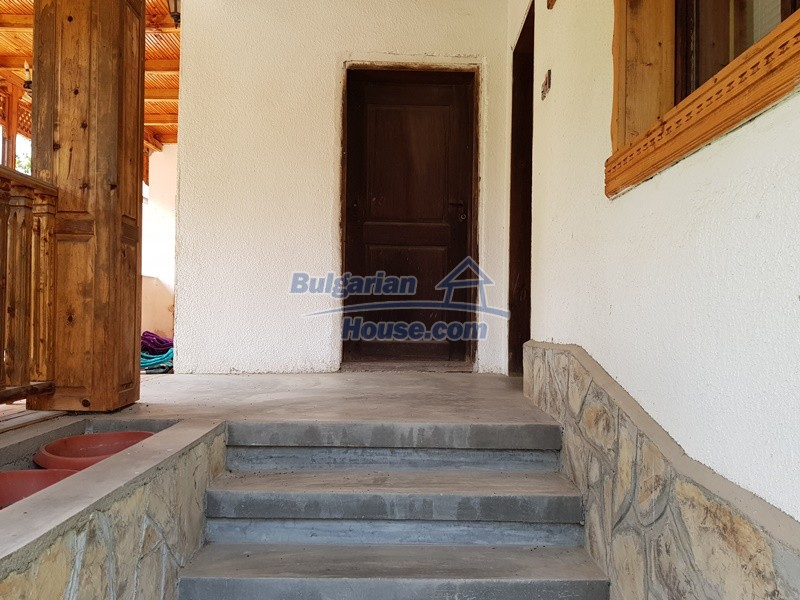 12859:44 - Excellent traditional Bulgarian property next to river VT area