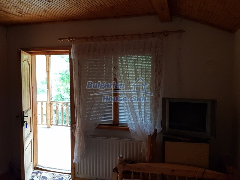 12859:82 - Excellent traditional Bulgarian property next to river VT area